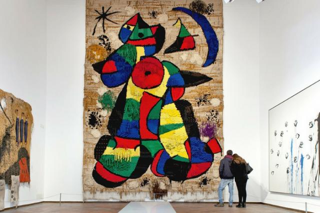 Majestic Hotel & Spa Barcelona homenatja Joan Miró amb un sopar per restaurar un dels seus tapissos