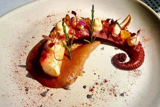 Cuina de proximitat al restaurant El Til·ler de l'H10 Casa Mimosa