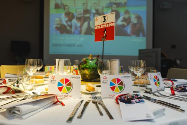 Le Méridien Barcelona recapta més de 17.000 euros en un sopar solidari