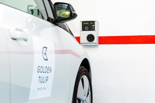 El nou servei sostenible de lloguer de cotxes elèctrics del Golden Tulip Barcelona